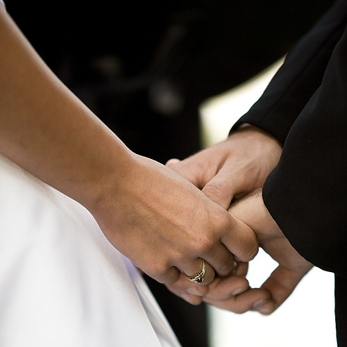 Committee recommends minimum marriage visa age limit